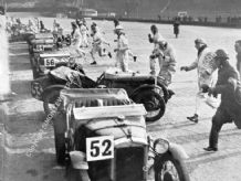 AUSTIN 7s & MGs  start Brooklands Double-12 1931